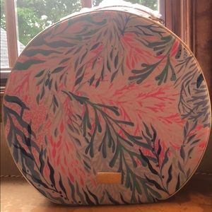 New Lilly Pulitzer GWP Round carryon Kaleidoscope